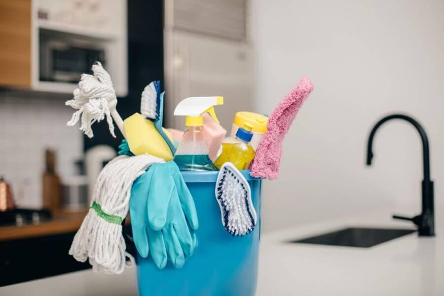 kodukoristus Tartus   kodukoristus   kodu koristus   kodu koristamine   kodupuhastus   kodu puhastus   Äripindade koristus   kontorite koristus   koristusfirmad Tartus   puhastusteenused ärikliendile   Äripindade puhastus   kontorite puhastus   äripinna koristamine   äripinna puhastamine